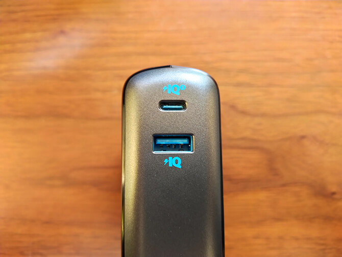 Anker PowerCore Fusion 10000の出力