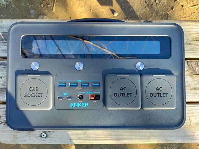 Anker PowerHouse II 800の外観