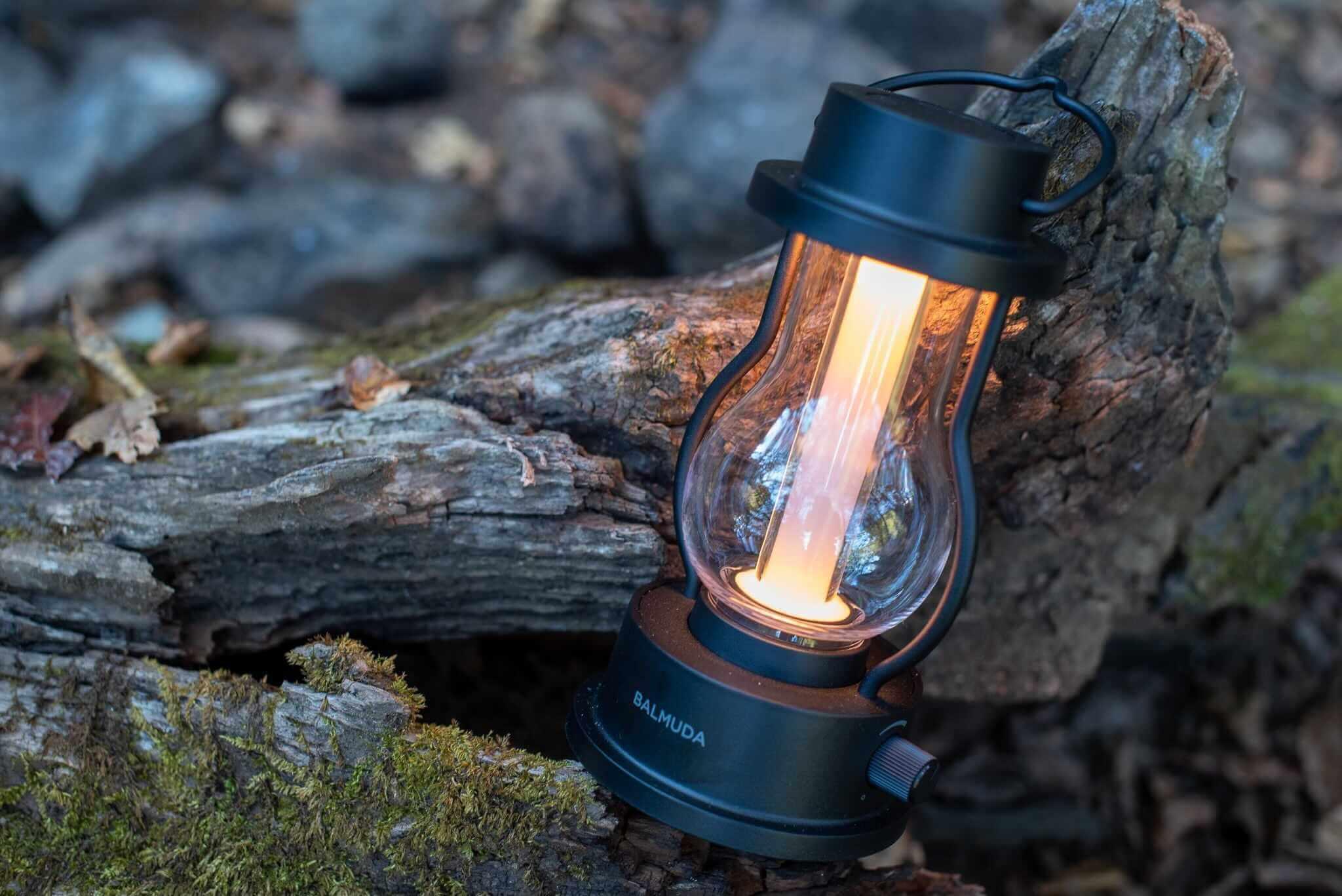 BALMUDA バルミューダ The Lantern L02Aをレビュー。野外使用できる万能LEDランタン