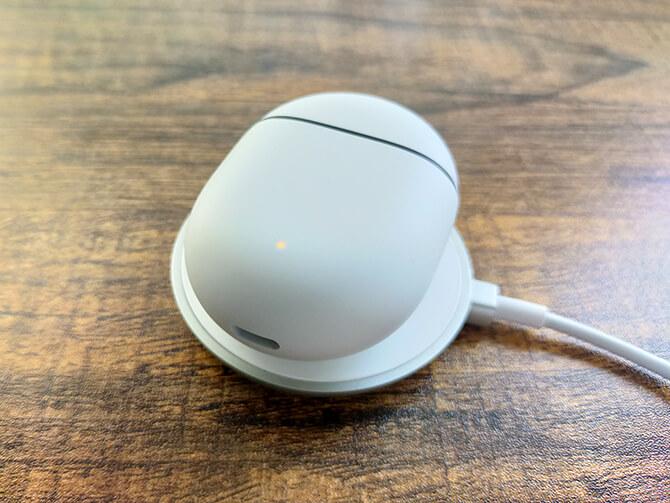 Google Pixel Budsのワイヤレス充電に対応