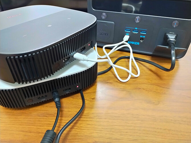Nebula SolarとNebula Vega Portableの電源