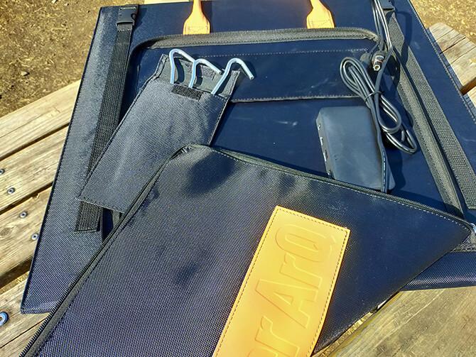 PowerArQ Solar 120Wの外側ポケット
