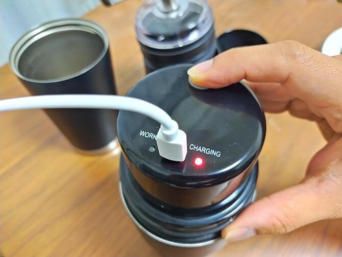 ポータブルコーヒーメーカーSoloCanoはオススルー充電非対応