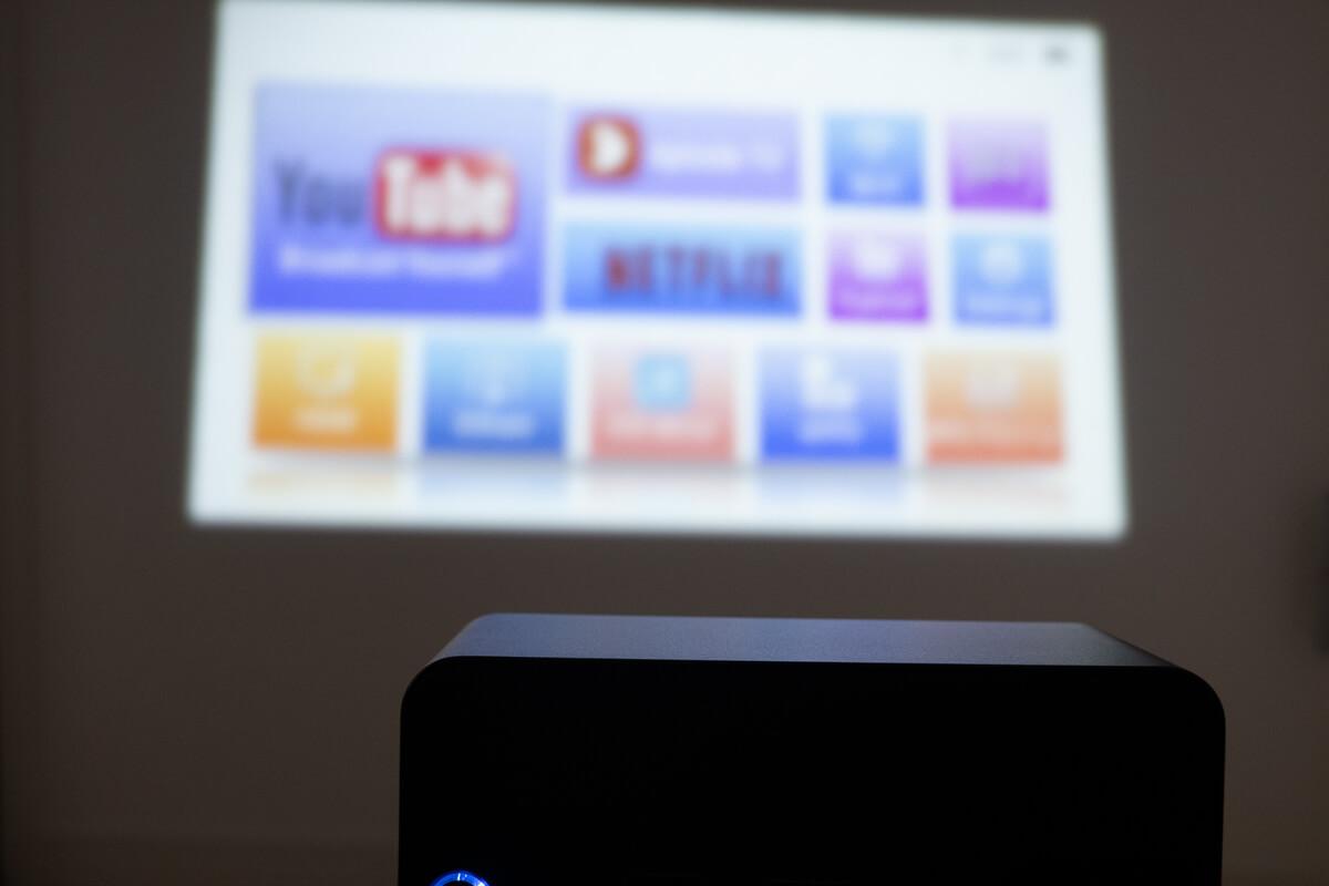 Pico Cube(ピコキューブ) H300の特長 Android OS搭載で単体で動画再生可能