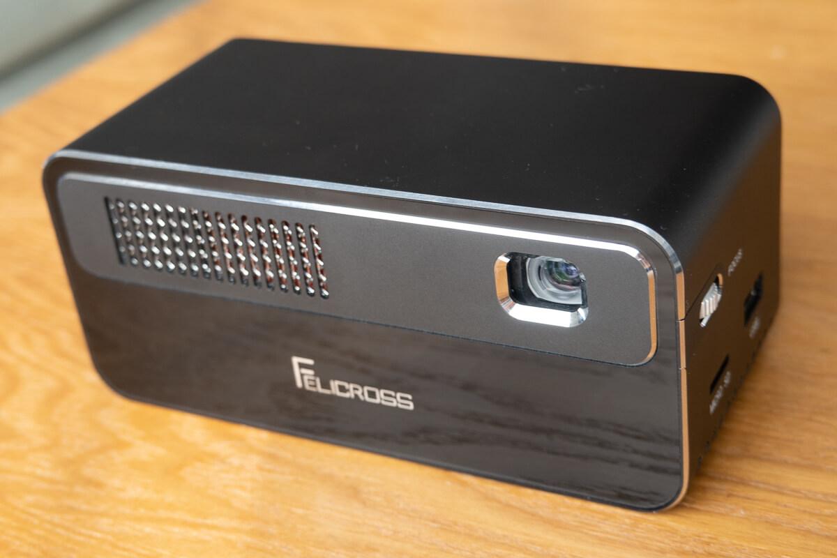 Felicross PicoCube H300を使って投影してみた