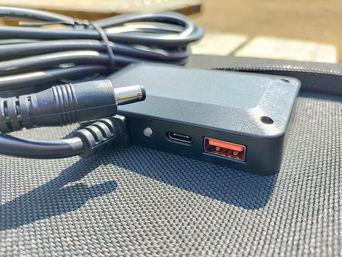 ELECAENTA 120Wソーラーパネルの充給電ポート