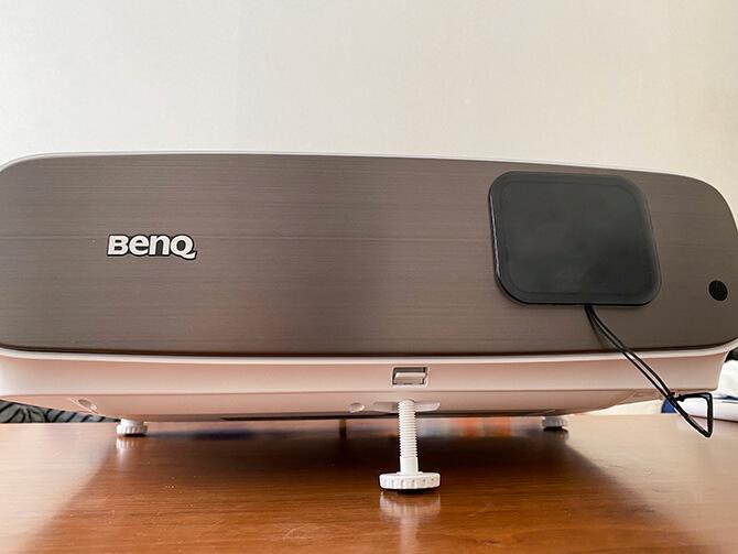 BenQ HT3550iの外観