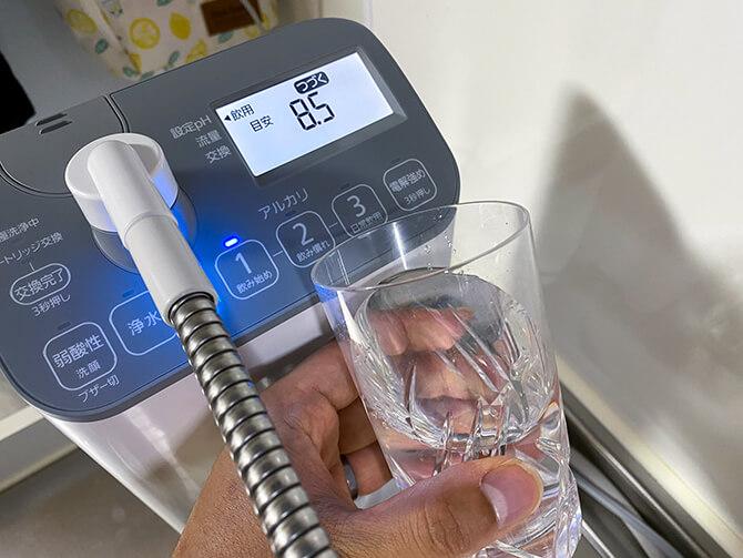 パナソニックのアルカリイオン整水器 TK-AS47はアルカリイオン水を飲める
