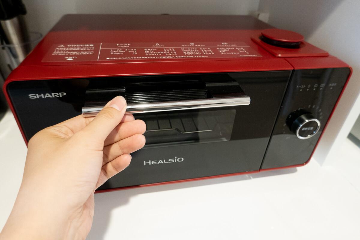 SHARPのトースター「ヘルシオ グリエ」使用レビュー。過熱水蒸気ならではの焼き上がりや注意点を検証