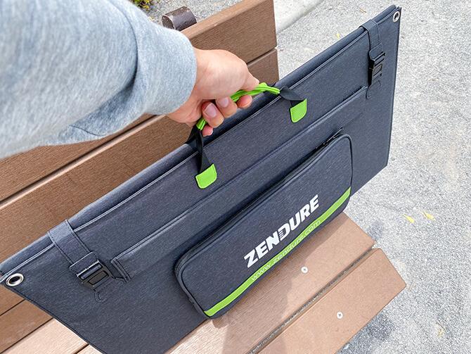 ZENDURE 100Wポータブルソーラーパネルの持ち手とバックル
