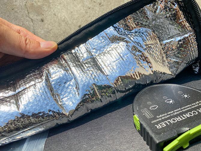 ZENDURE 100Wポータブルソーラーパネルの収納ポケットは防水加工