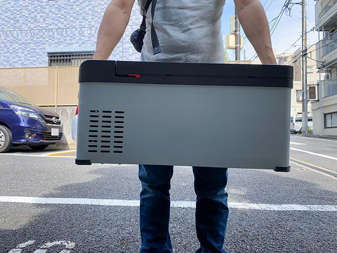 JAPAN AVE.の車載冷蔵庫JA2800のサイズ感