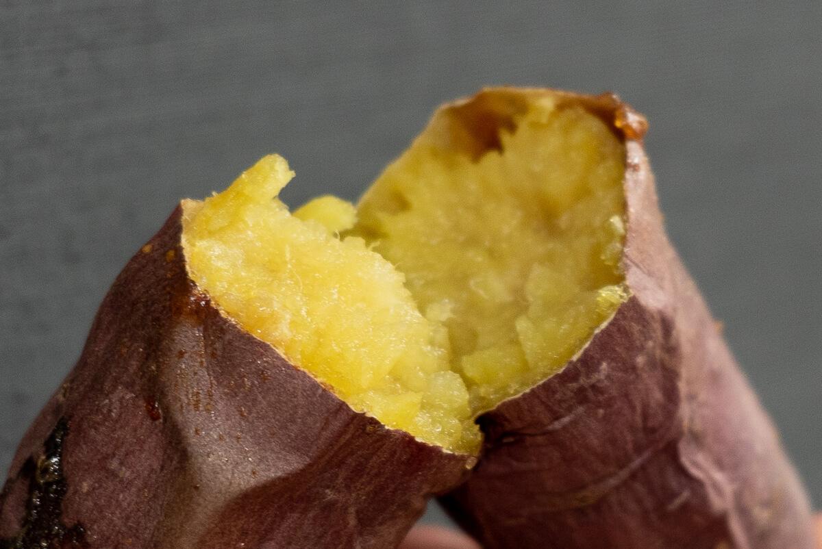 実食!完成した焼き芋を食べ比べ アラジン グラファイトグリル&トースター シルクスイート