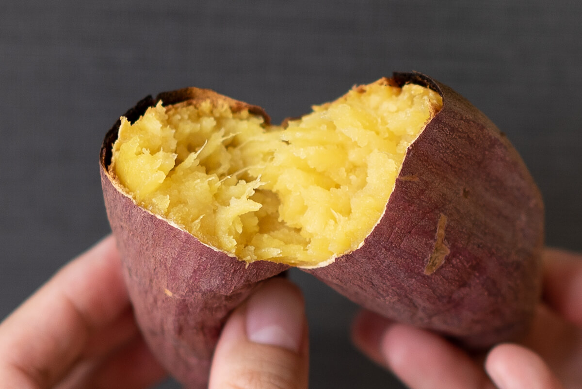 実食!完成した焼き芋を食べ比べ バルミューダ The Toasterで焼いたシルクスイート