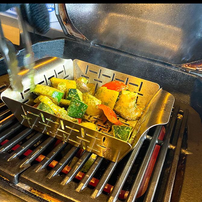 Weber PULSE 1000で焼き上げる野菜
