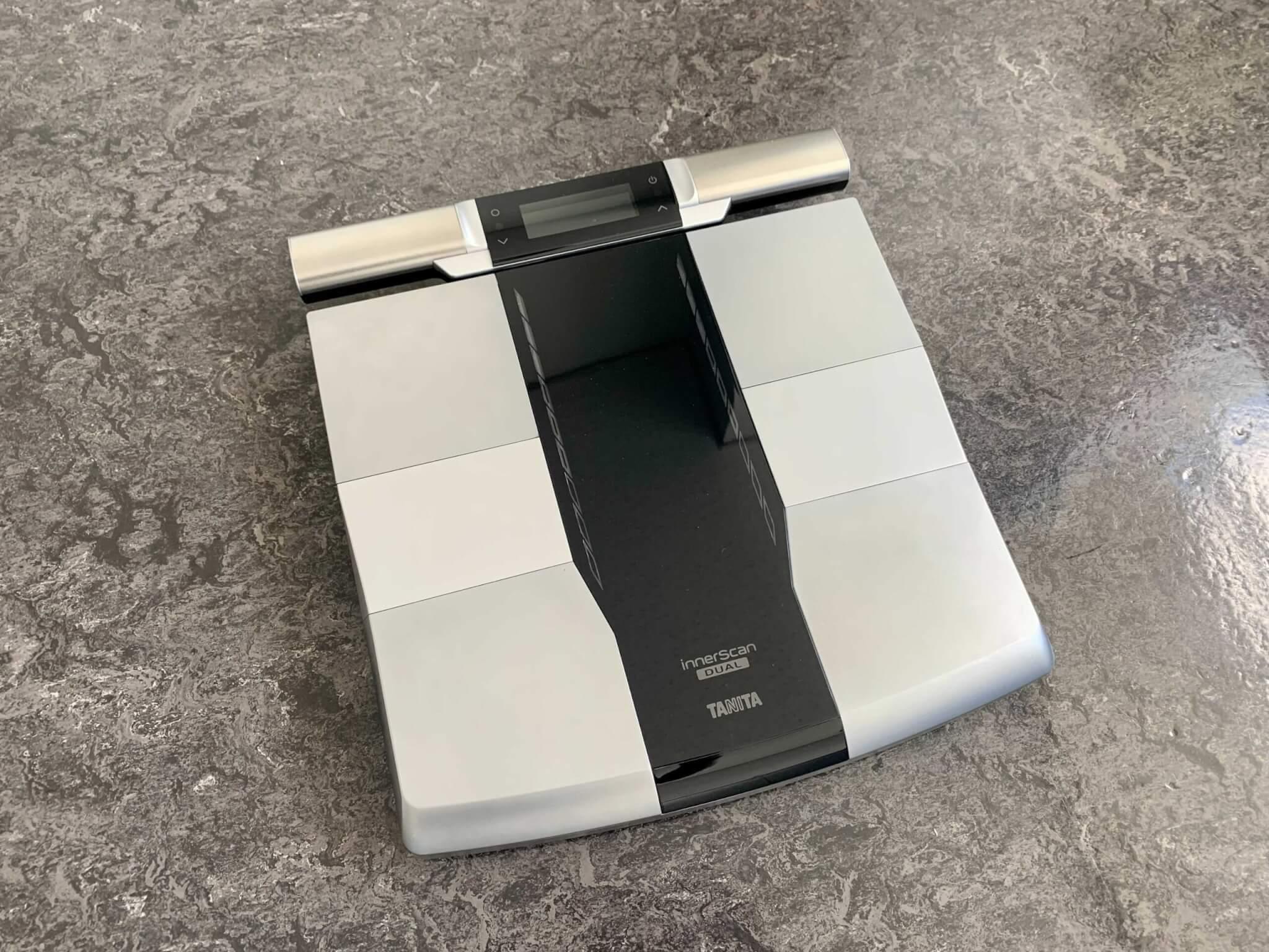タニタのデュアルタイプ体組成計 インナースキャンデュアル RD-800をレビュー!部位別に測定できる