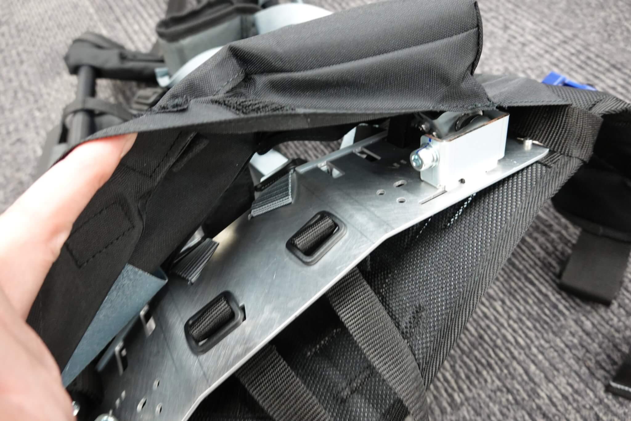 実際に「マッスルスーツ GS-ARM」を使ってみた お手入れ方法について