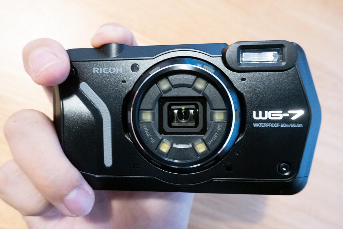リコーの防水カメラ「RICOH WG-7」1. アウトドア・現場で活躍するタフなボディ