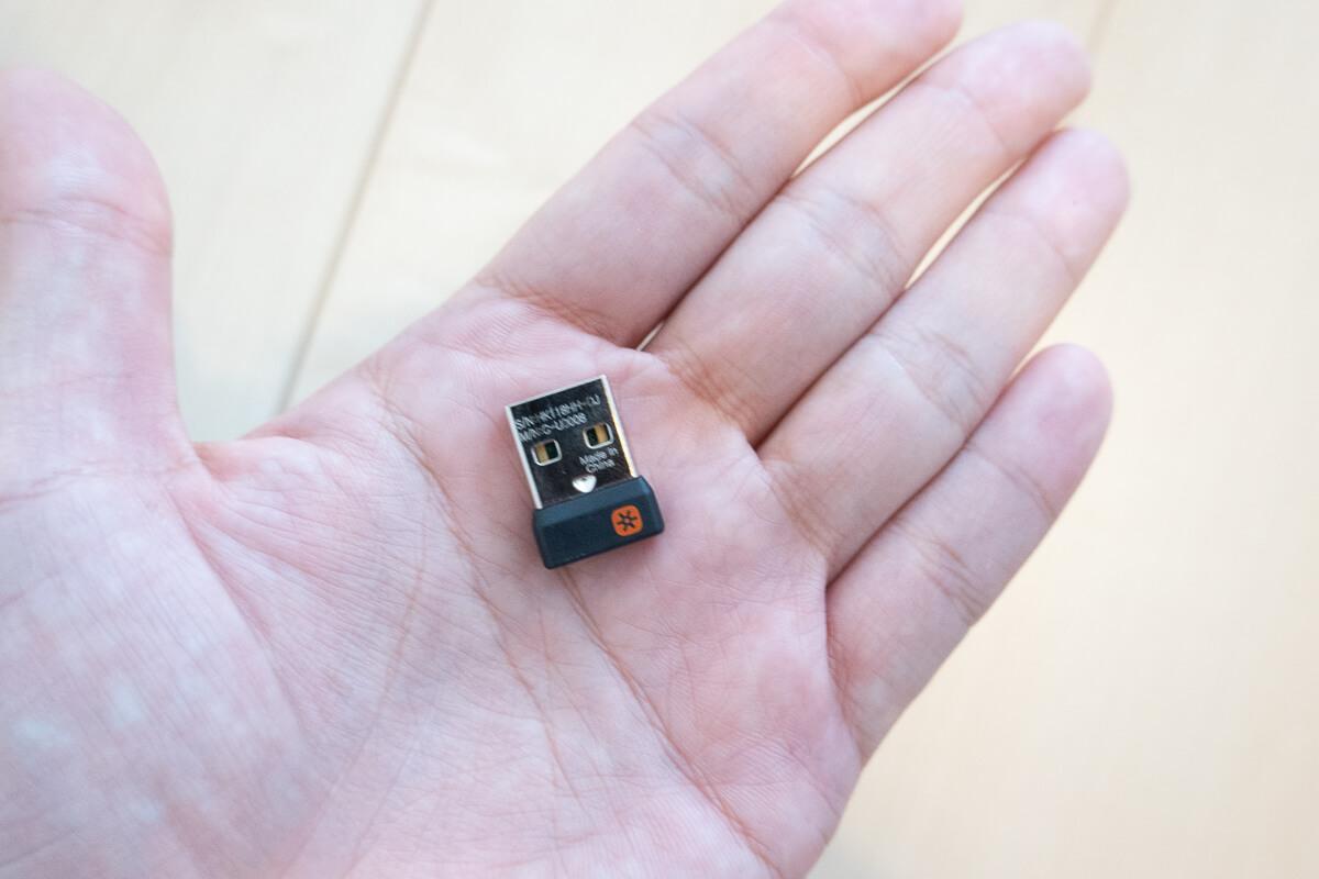 ロジクール「ERGO K860 エルゴノミック スプリットキーボード」の特長 スマートなワイヤレス接続