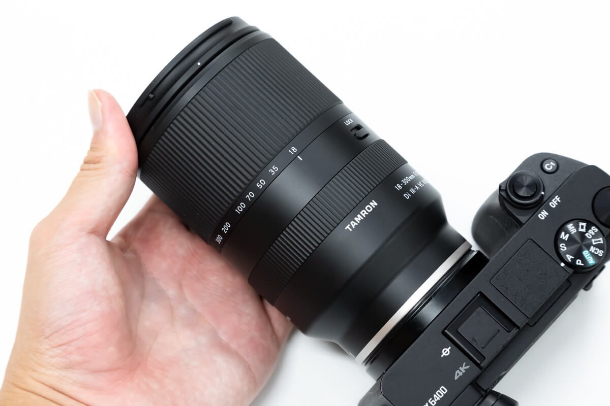 TAMRON 18-300mm F/3.5-6.3 Di III-A VC VXD コンパクト性