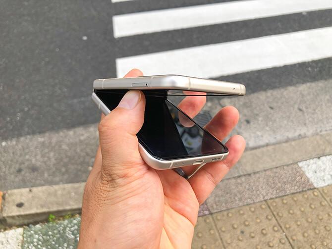 Galaxy Z Flip3 5Gの片手開閉は厳しい